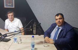 Od 04.11.2019.godine Radio Levač emituje redovan program.