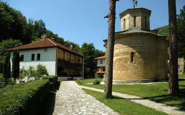 Директан пренос поноћне Васкршње Литургије из манастира Драча